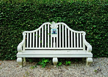Reliable Garden Furniture Assembly